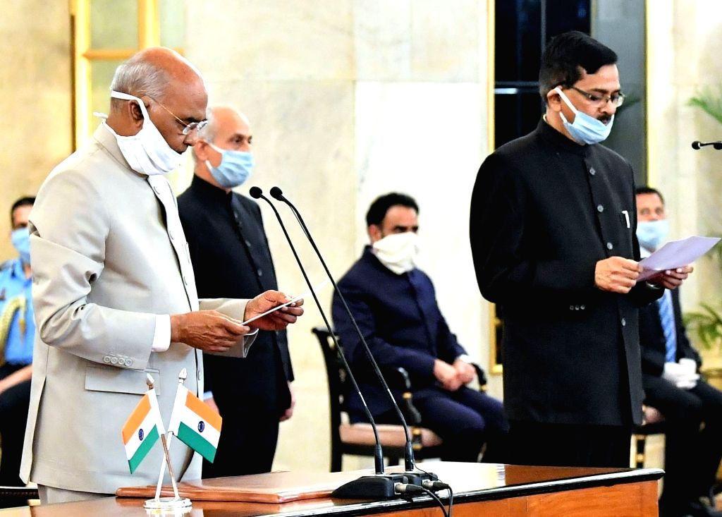 President Ram Nath Kovind administers the oath of office to Sanjay Kothari as the Central Vigilance Commissioner (CVC) at a function at Rashtrapati Bhavan, in New Delhi on Apr 25, 2020. - Nath Kovind