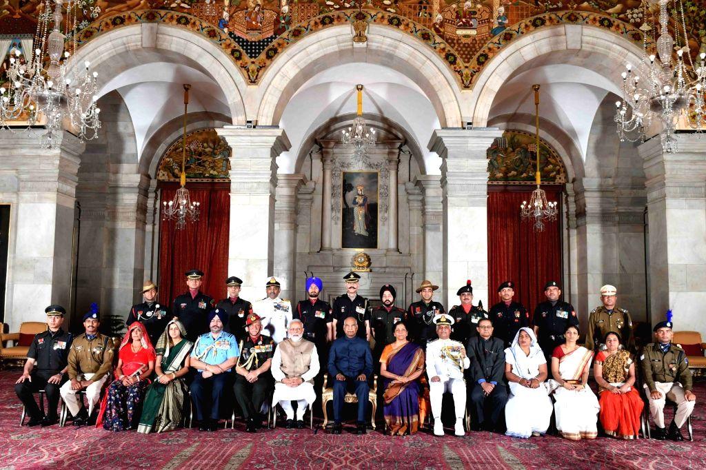 President Ram Nath Kovind and Prime Minister Narendra Modi with the recipients of Gallantry Award during the 2019 Defence Investiture Ceremony- I,  at Rashtrapati Bhavan, in New Delhi, on ... - Narendra Modi and Nath Kovind