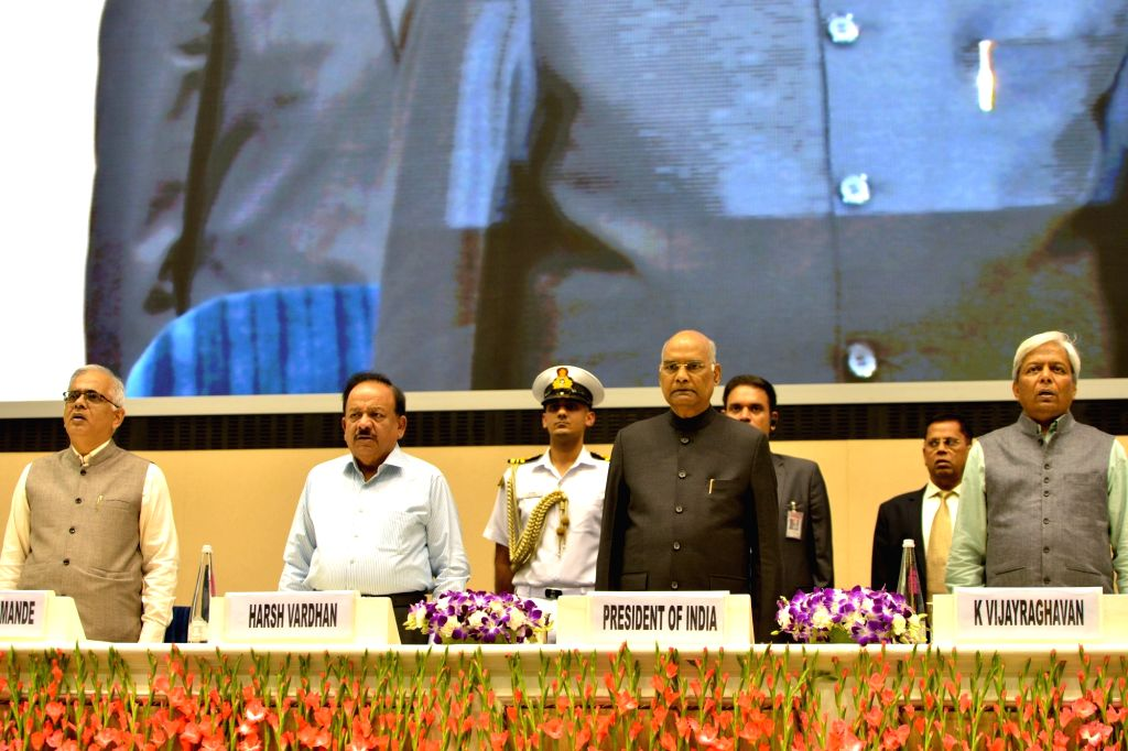 President Ram Nath Kovind and Union Science and Technology, Health and Family Welfare and Earth Sciences Minister Harsh Vardhan during CSIR Foundation Day programme, in New Delhi on Sep ... - Harsh Vardhan and Nath Kovind