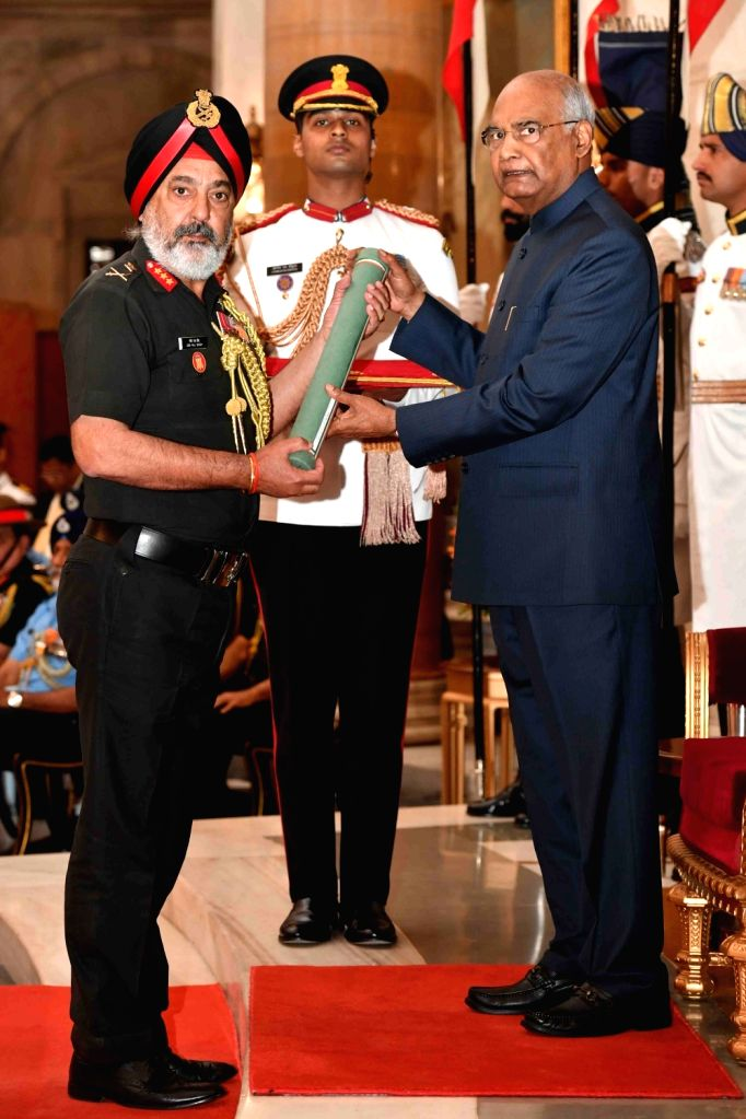 President Ram Nath Kovind confers Ati Vishisht Seva Medal (AVSM) - Gallantry Awards on Lieutenant General Giri Raj Singh during the 2019 Defence Investiture Ceremony- I at Rashtrapati ... - Nath Kovind