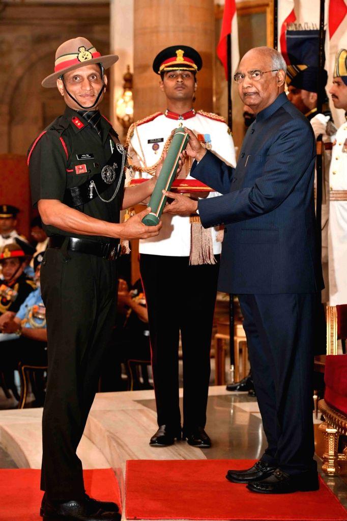 President Ram Nath Kovind confers Ati Vishisht Seva Medal (AVSM) - Gallantry Awards on Major General Gajinder Singh during the 2019 Defence Investiture Ceremony- I at Rashtrapati Bhavan, ... - Nath Kovind and General Gajinder Singh