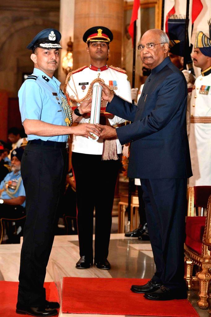 President Ram Nath Kovind confers Ati Vishisht Seva Medal (AVSM) - Gallantry Awards on Air Commodore Dhananjay Vasant Khot during the 2019 Defence Investiture Ceremony- I at Rashtrapati ... - Nath Kovind