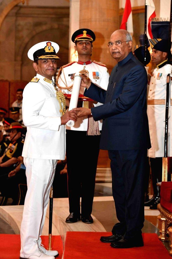 President Ram Nath Kovind confers Param Vishisht Seva Medal (PVSM) - Gallantry Awards on Western Naval Command (WNC) Flag Officer Commanding-in-Chief, Vice-Admiral Ajit Kumar P. during the ... - Nath Kovind