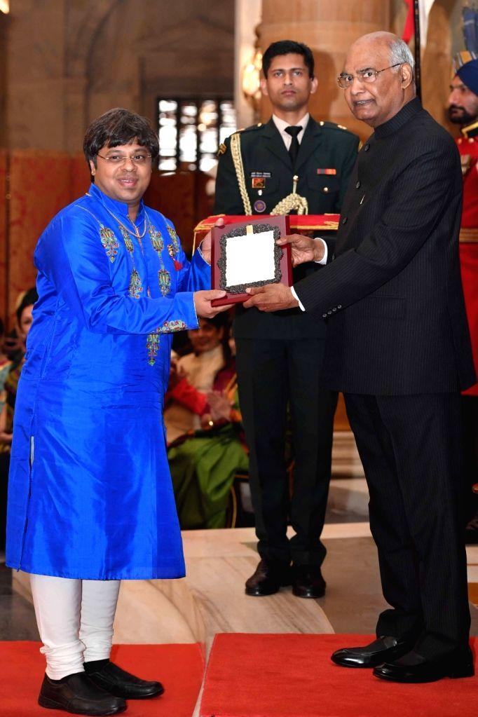 President Ram Nath Kovind confers Sangeet Natak Akademi Award 2017 on flutist Shashank Subramanyam during a special investiture ceremony at Rashtrapati Bhawan in New Delhi on Feb 6, 2019. - Nath Kovind