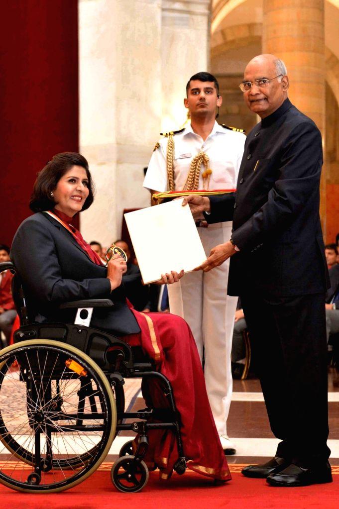 President Ram Nath Kovind confers the Rajiv Gandhi Khel Ratna Award 2019 upon Deepa Malik in recognition of her outstanding achievements in Para-Athletics at Rashtrapati Bhavan in New ... - Malik and Nath Kovind