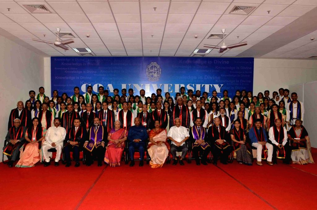 President Ram Nath Kovind, his wife Savita Kovind and Goa Governor Mridula Sinha with faculty members and pass outs at the 30th annual convocation of Goa University in Taleigao, Goa on July ... - Nath Kovind and Mridula Sinha