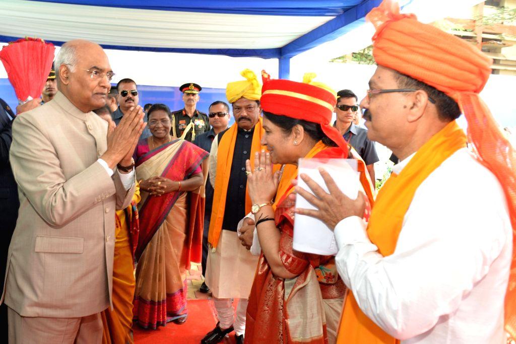 President Ram Nath Kovind, Jharkhand Governor Draupadi Murmu and Chief Minister Raghubar Das at the 33rd Convocation of Ranchi University, on Sep 30, 2019. - Raghubar Das and Nath Kovind