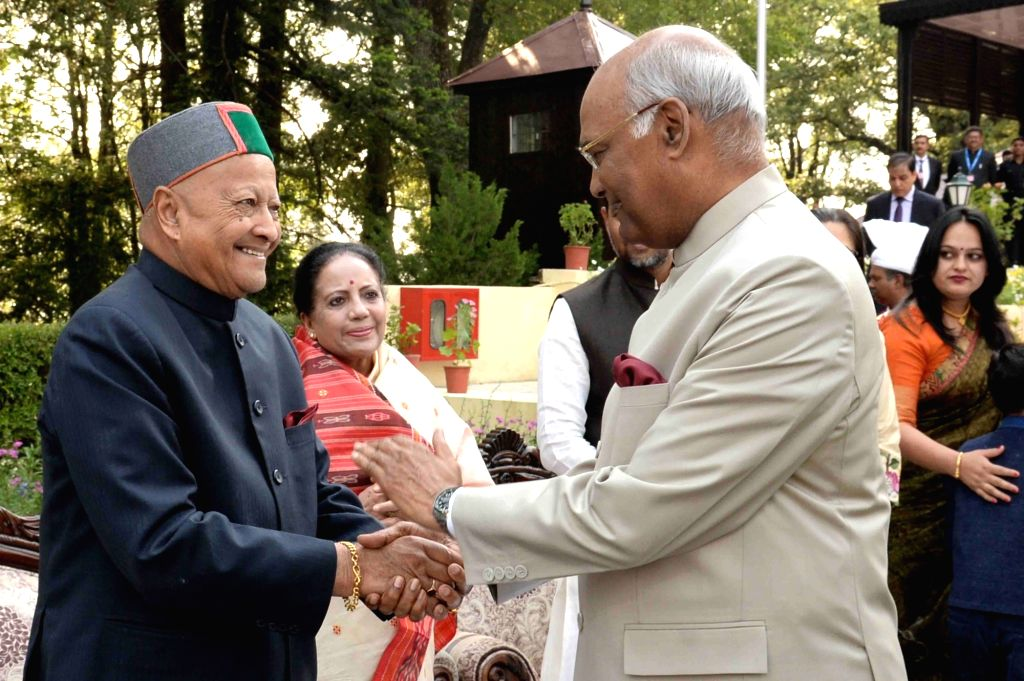 President Ram Nath Kovind with Former Himachal Chief Minister Virbhadra Singh during 'At Home' reception at the Retreat, Mashobra in Himachal Pradesh on May 23, 2018. - Virbhadra Singh and Nath Kovind