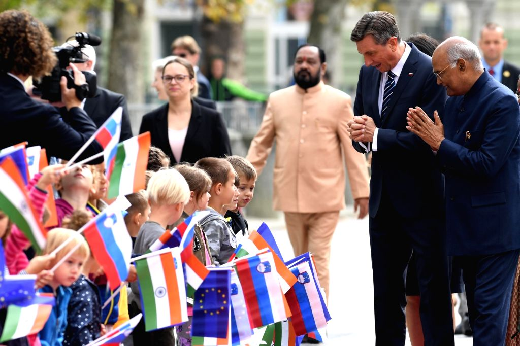 President Ram Nath Kovind with Slovenia President Borut Pahor during a Ceremonial Reception accorded to him on his arrival at Congress Square, Slovenska Street in Ljubljana, Slovenia on ... - Nath Kovind
