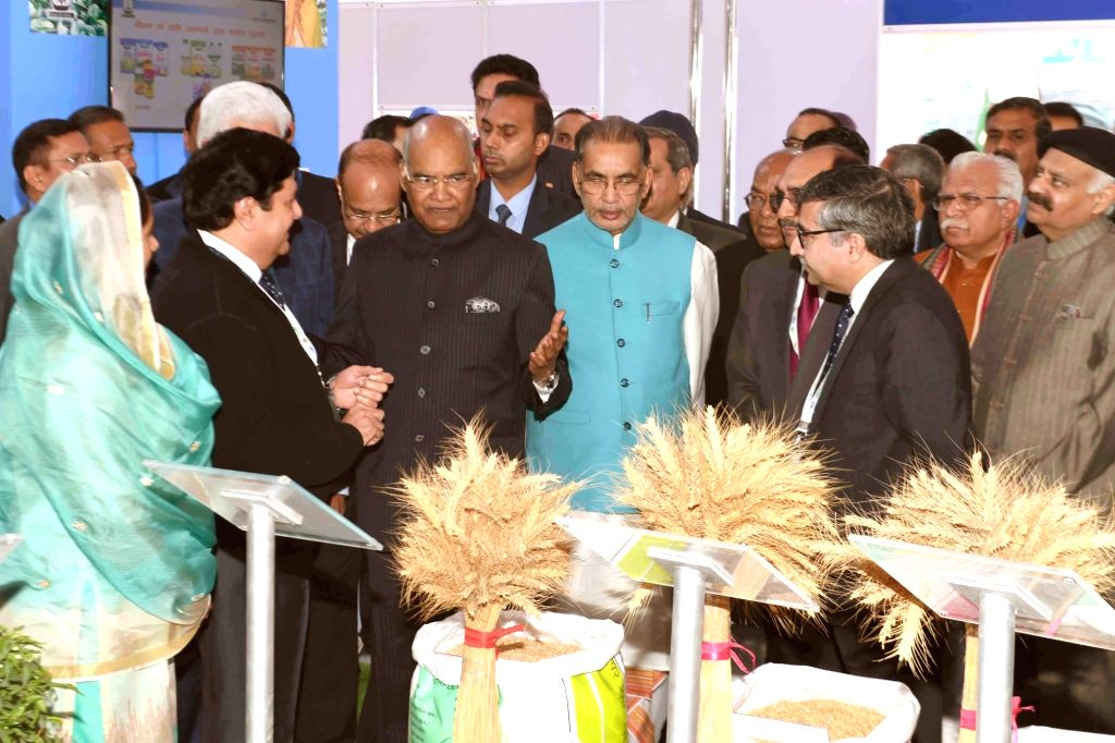 President Ram Nath Kovind with Union Agriculture and Farmers Welfare Minister Radha Mohan Singh, Union Food Processing Industries Minister Harsimrat Kaur Badal, Haryana Chief Minister ... - Radha Mohan Singh, Nath Kovind, Harsimrat Kaur Badal and Manohar Lal Khattar
