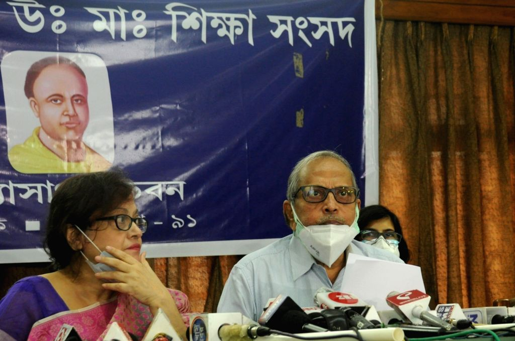 President, WB Council of HS Education, Mahua Das and WB Board of Secondary Education, Kalyanmoy Ganguly at a joint press conference for result issue at Vidyasagar Bhavan, Salt Lake City  in ...