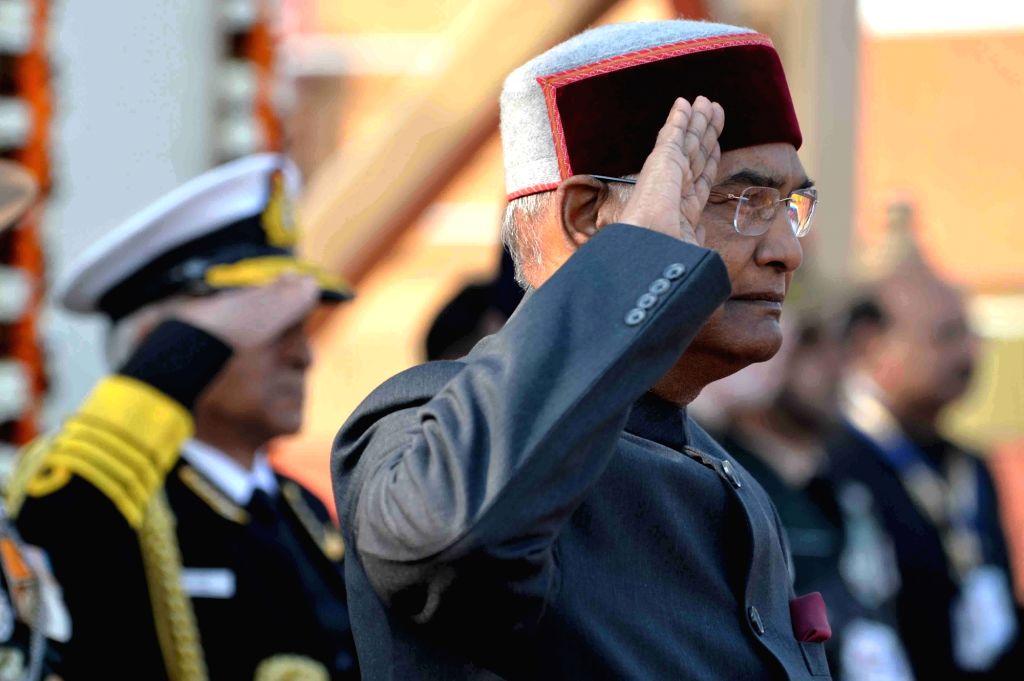 Prez receives national salute at Rajpath. (Photo: IANS/RB)