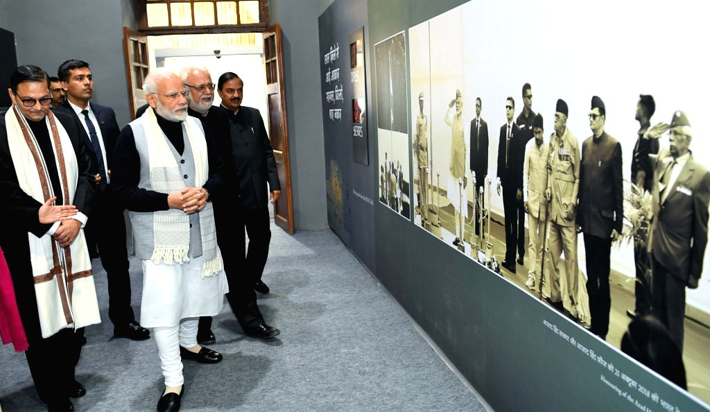 Prime Minister Narendra Modi accompanied by Union MoS Culture Mahesh Sharma, visits the Museum on Netaji Subhas Chandra Bose and Indian National Army at Red Fort in New Delhi, on Jan 23, ... - Narendra Modi and Mahesh Sharma