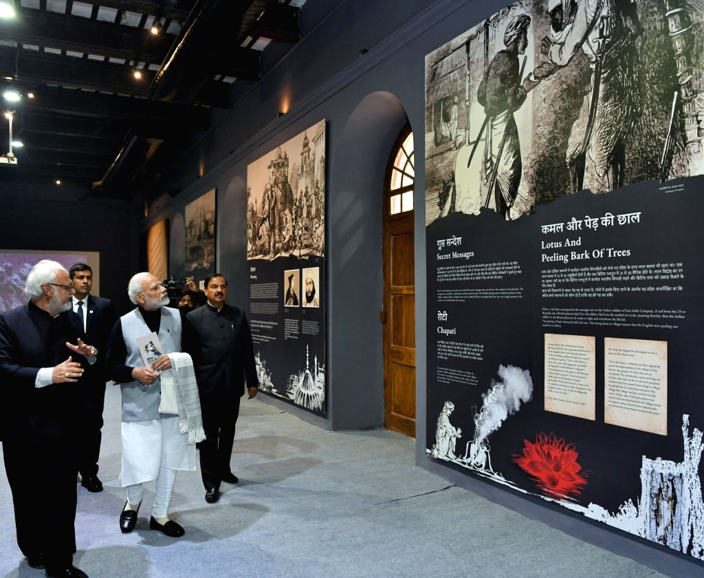 Prime Minister Narendra Modi accompanied by Union MoS Culture Mahesh Sharma, visits the Museum on 1857- India's first war of Independence, at Red Fort in New Delhi, on Jan 23, 2019. - Narendra Modi and Mahesh Sharma