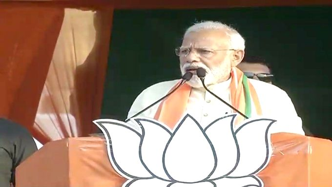 Prime Minister Narendra Modi addresses a public rally in Ranaghat, West Bengal on April 24, 2019. - Narendra Modi