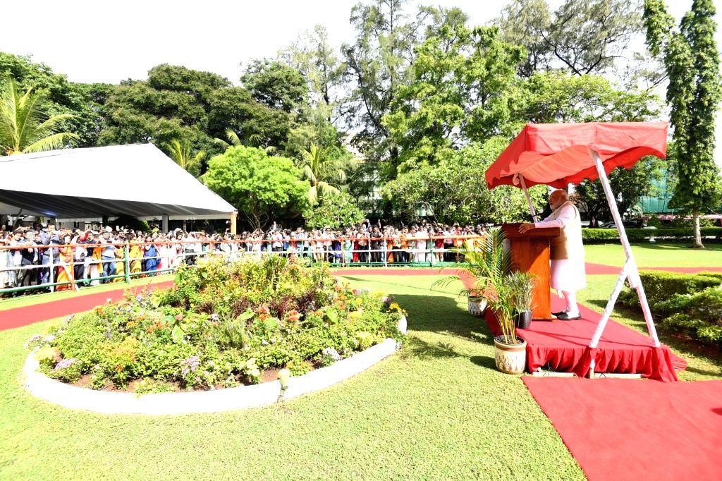 Prime Minister Narendra Modi addresses the Indian Community in Colombo, Sri Lanka on June 9, 2019. - Narendra Modi