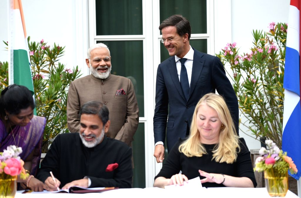 Prime Minister Narendra Modi and Dutch Prime Minister Mark Rutte witness the signing of MoUs between India and Netherlands in Amsterdam, Netherlands on June 27, 2017. - Narendra Modi