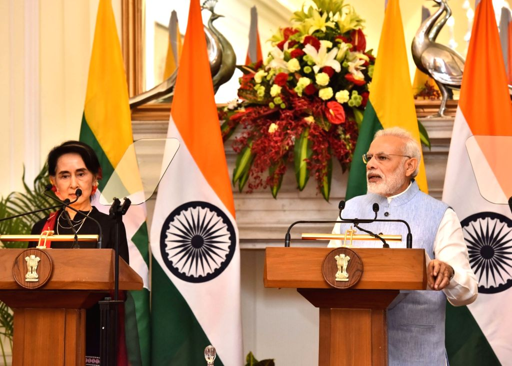 Prime Minister Narendra Modi and Myanmar State Counsellor Aung San Suu Kyi during a Joint Press conference at Hyderabad House, in New Delhi on Oct 19, 2016. - Narendra Modi