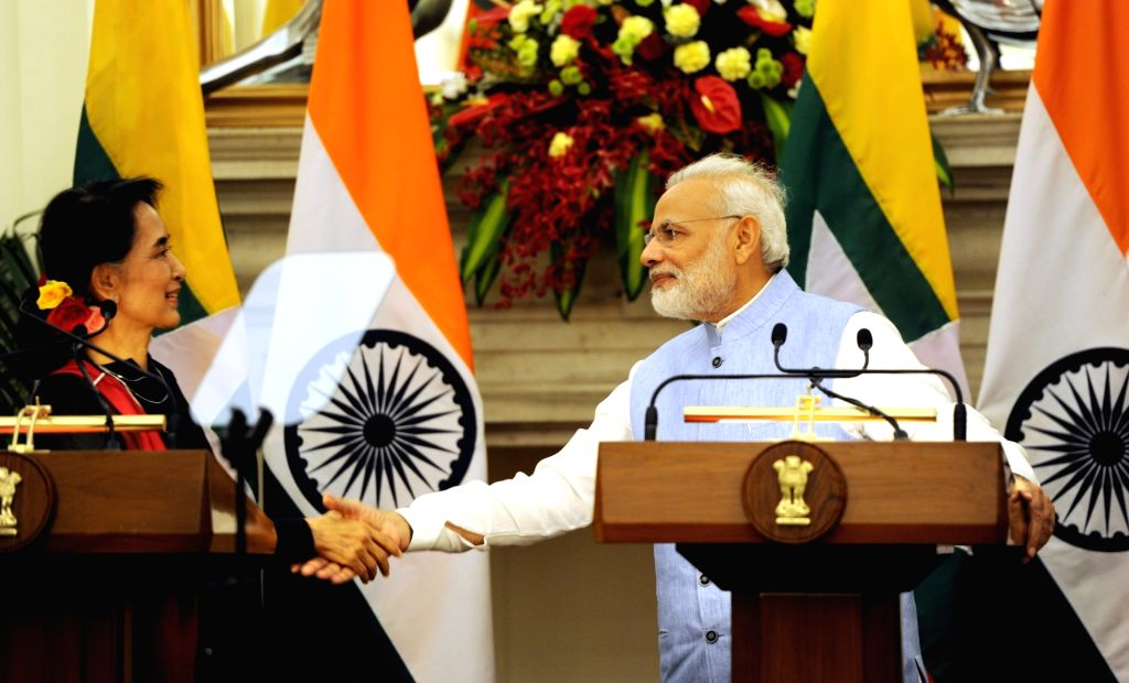 Prime Minister Narendra Modi and Myanmar State Counsellor Aung San Suu Kyi during a Joint Press conference at Hyderabad House in New Delhi on Oct 19, 2016. - Narendra Modi