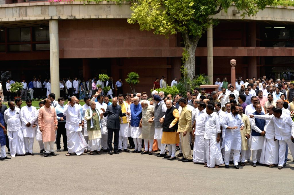 Prime Minister Narendra Modi and NDA presidential candidate Ram Nath Kovind with BJP leaders Ananth Kumar, Venkaiah Naidu, Murli Manohar Joshi, LK Advani, Amit Shah,  Telugu Desam Party ... - Narendra Modi, Venkaiah Naidu, Nath Kovind, Ananth Kumar, Murli Manohar Joshi, Amit Shah and N. Chandrababu Naidu