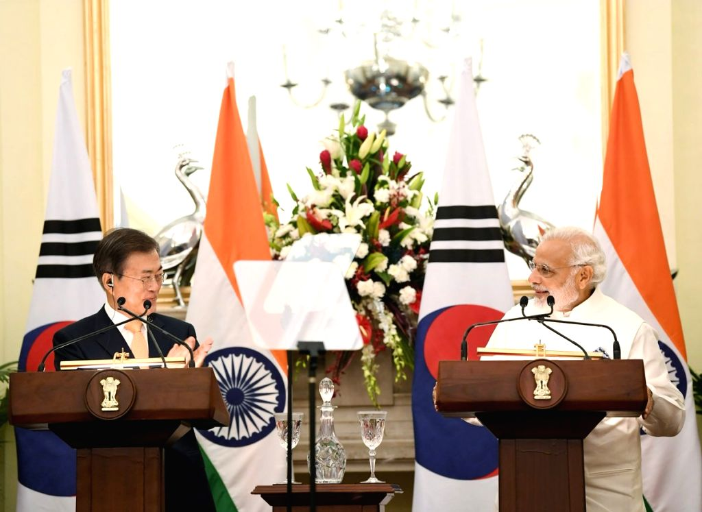 Prime Minister Narendra Modi and South Korean President Moon Jae-in witness exchange of agreements between India and South Korea at Hyderabad house, in New Delhi on July 10, 2018. - Narendra Modi