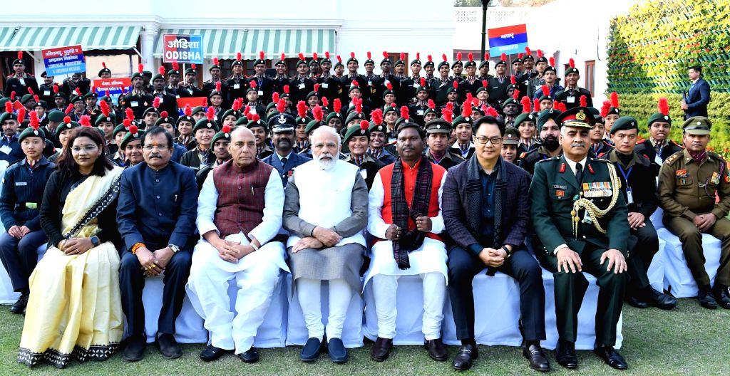Prime Minister Narendra Modi and Union Ministers Renuka Singh, Sripad Yesso Naik, Rajnath Singh, Jual Oram and Kiren Rijiju in a group photograph with NCC cadets who would be performing at ... - Narendra Modi, Ministers Renuka Singh, Sripad Yesso Naik, Rajnath Singh, Jual Oram and Kiren Rijiju