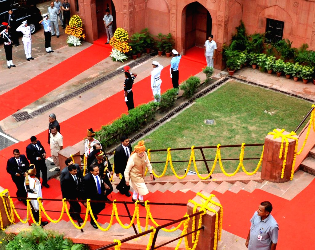 Prime Minister Narendra Modi arrives at Red Fort, on the occasion of 69th Independence Day, in Delhi on August 15, 2015. - Narendra Modi