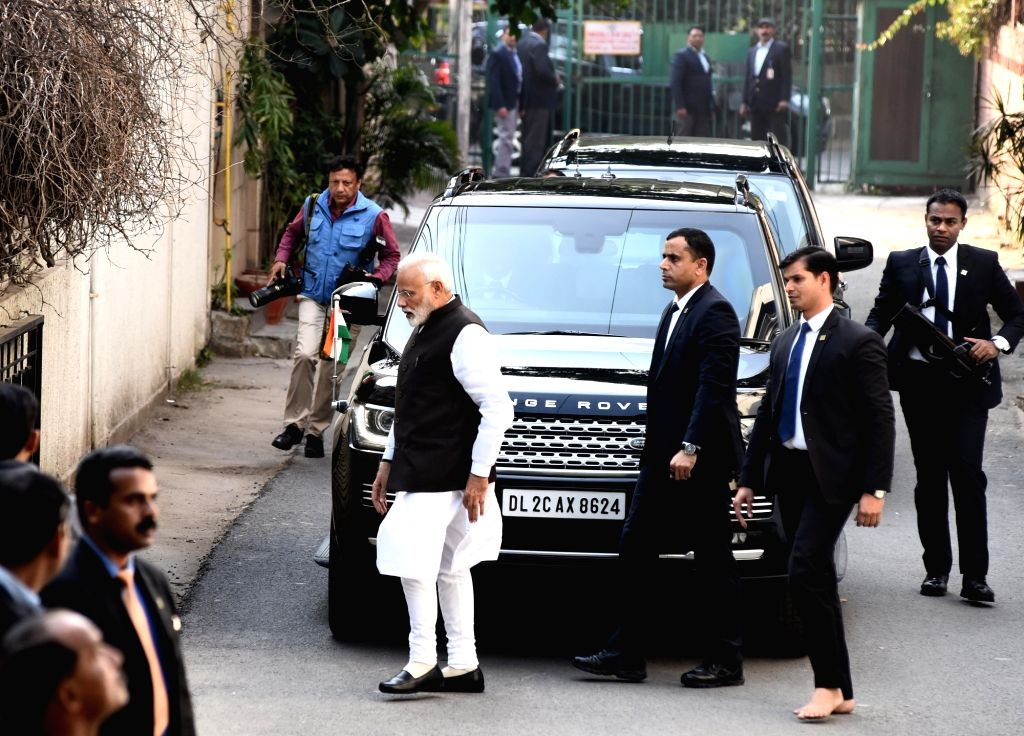 Prime Minister Narendra Modi arrives to pay his last respects to Former Defence Minister George Fernandes, who died at the age of 88 after prolonged illness, in New Delhi on Jan 29, 2019. - Narendra Modi and Fernandes