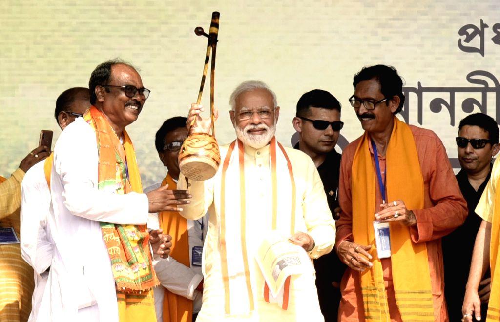 Prime Minister Narendra Modi at a public rally in West Bengal's Bolpur, on April 24, 2019. - Narendra Modi
