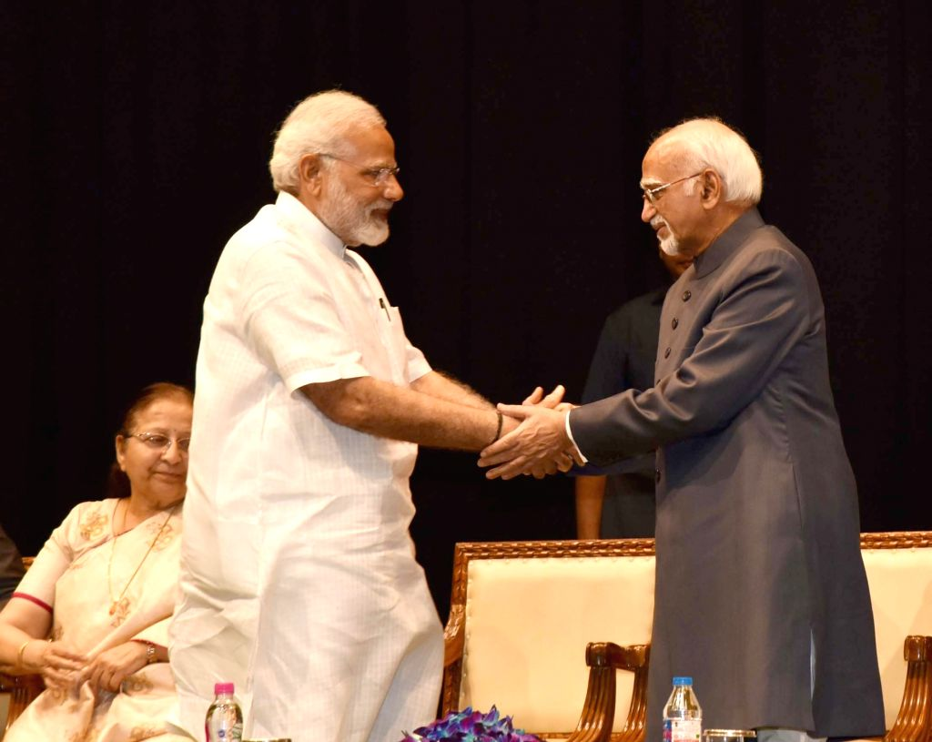 Prime Minister Narendra Modi at the farewell function of the Vice President M Hamid Ansari at Parliament in New Delhi on August 10, 2017. Also seen Lok Sabha Speaker Sumitra Mahajan. - Narendra Modi and Sumitra Mahajan