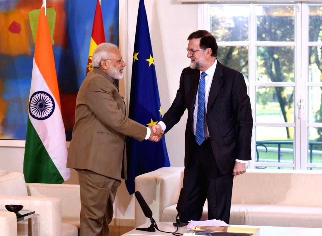 Prime Minister Narendra Modi calls on Spanish President Mariano Rajoy at La Moncloa Palace in Madrid, Spain on May 31, 2017. - Narendra Modi