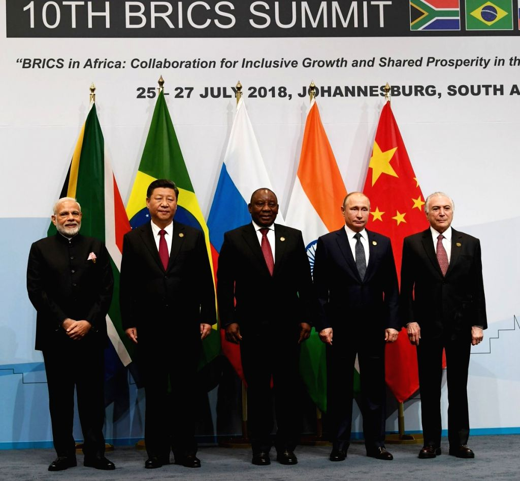 Prime Minister Narendra Modi, Chinese President Xi Jinping, South African President Cyril Ramaphosa, Russian President Vladimir Putin and Brazilian President Michel Temer during the ... - Narendra Modi