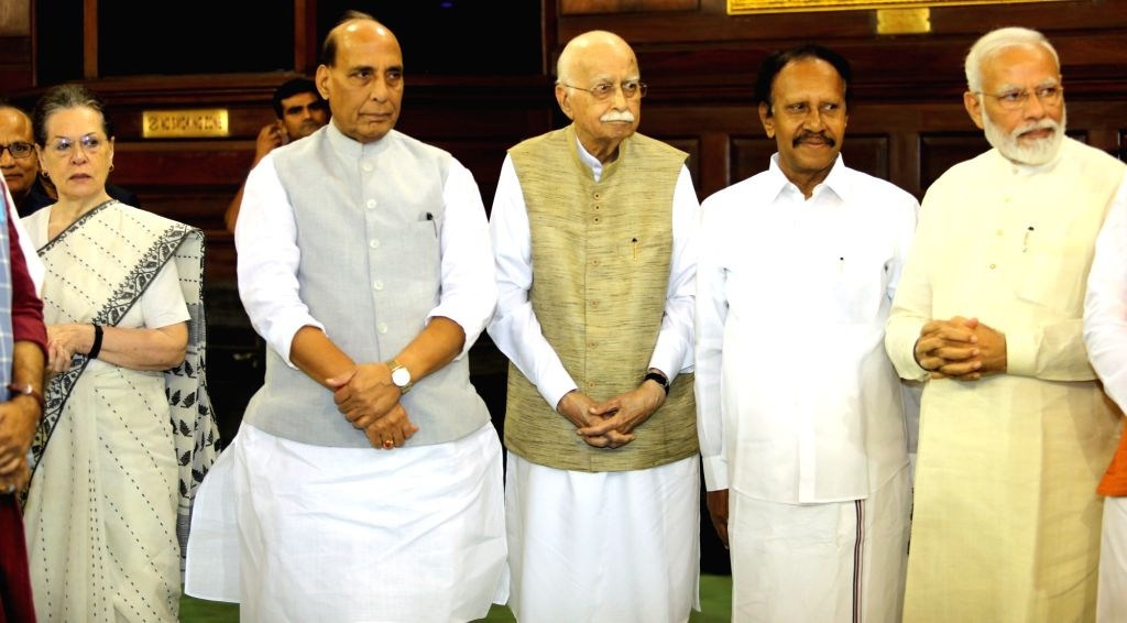 Prime Minister Narendra Modi, Defence Minister Rajnath Singh, Congress interim president Sonia Gandhi, Senior BJP leader LK Advani, AIADMK leader M. Thambidurai during a programmme ... - Narendra Modi, Rajnath Singh and Sonia Gandhi