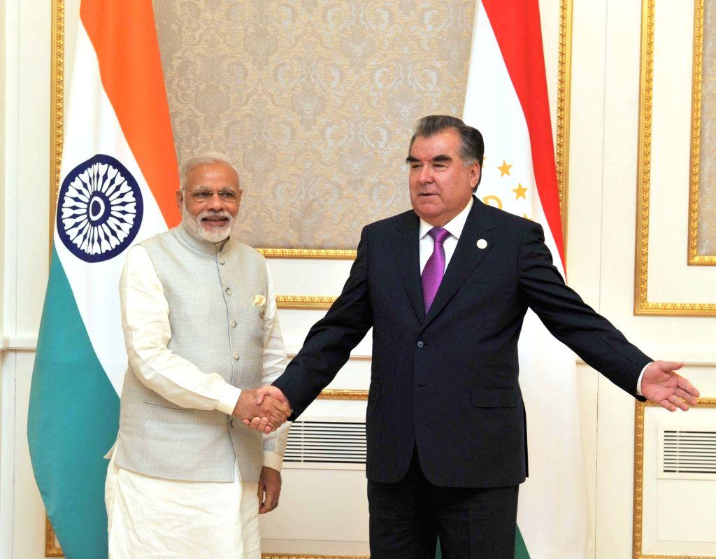 Prime Minister Narendra Modi during a bilateral meeting with the Tajik President Emomali Rahmon, in Tashkent, Uzbekistan on June 24, 2016. - Narendra Modi