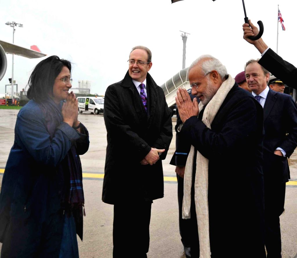 Prime Minister Narendra Modi emplanes for G20 Turkey 2015 after his three day visit to the UK on Nov 14, 2015. - Narendra Modi