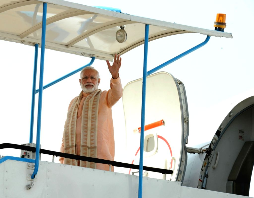 Prime Minister Narendra Modi emplanes for Herat, Afghanistan, marking the start of his 5 nation tour, in New Delhi on June 04, 2016. - Narendra Modi