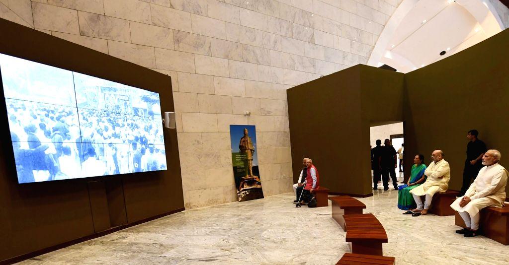 Prime Minister Narendra Modi, Gujarat Governor Om Prakash Kohli, Karnataka Governor Vajubhai Vala, Madhya Pradesh Governor Anandiben Patel and BJP chief Amit Shah visit the Museum, ... - Narendra Modi, Prakash Kohli, Anandiben Patel, Amit Shah and Sardar Vallabhbhai Patel