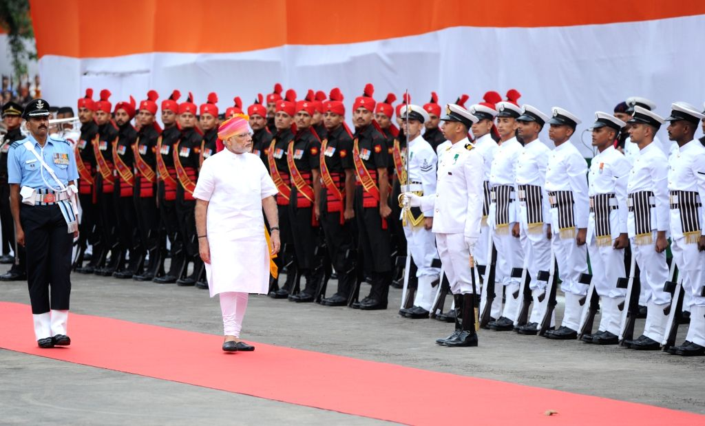 Prime Minister Narendra Modi inspects Guard of Honour at Red Fort on Independence Day in New Delhi, on Aug 15, 2016. - Narendra Modi