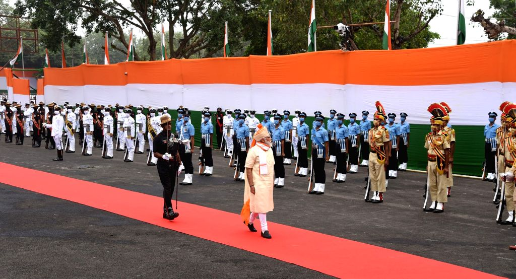 Prime Minister Narendra Modi inspects the Guard of Honour at the Red Fort during the 74th Independence Day celebrations, in New Delhi on Aug 15, 2020. - Narendra Modi