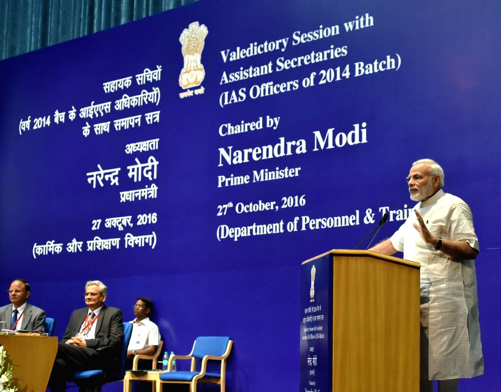 Prime Minister Narendra Modi interacts with IAS officers of the 2014 batch during their Valedictory Session as Assistant Secretaries in New Delhi on Oct 27, 2016. - Narendra Modi