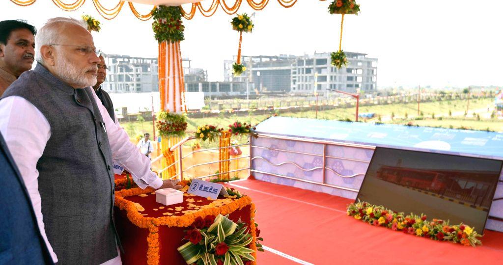 Prime Minister Narendra Modi launches Naya Raipur BRTS in Naya Raipur on Nov 1, 2016. - Narendra Modi