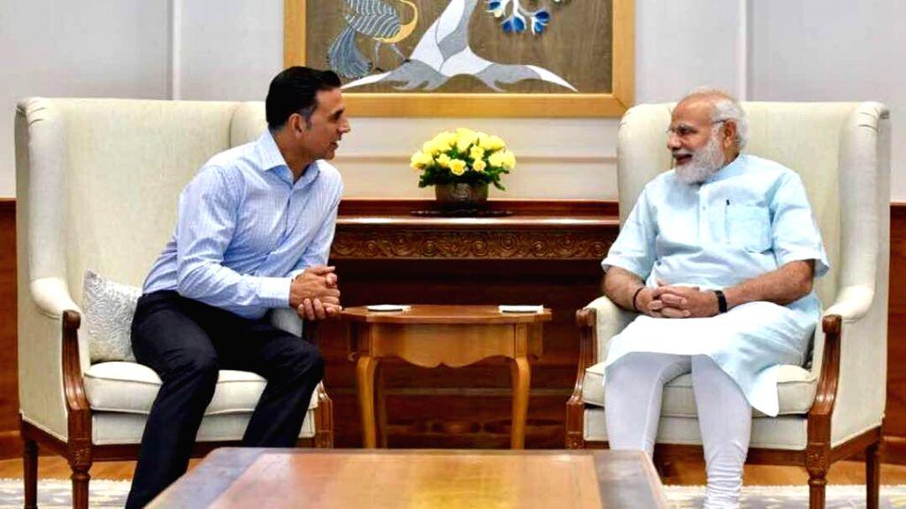 Prime Minister Narendra Modi meets actor Akshay Kumar. (File Photo: IANS/Twitter) - Narendra Modi and Akshay Kumar