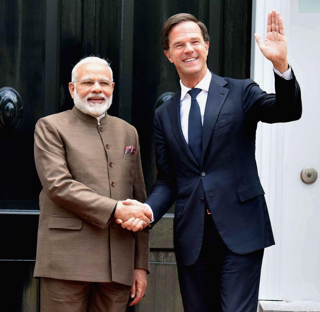 Prime Minister Narendra Modi meets Dutch Prime Minister Mark Rutte at Amsterdam, Netherlands on June 27, 2017. - Narendra Modi