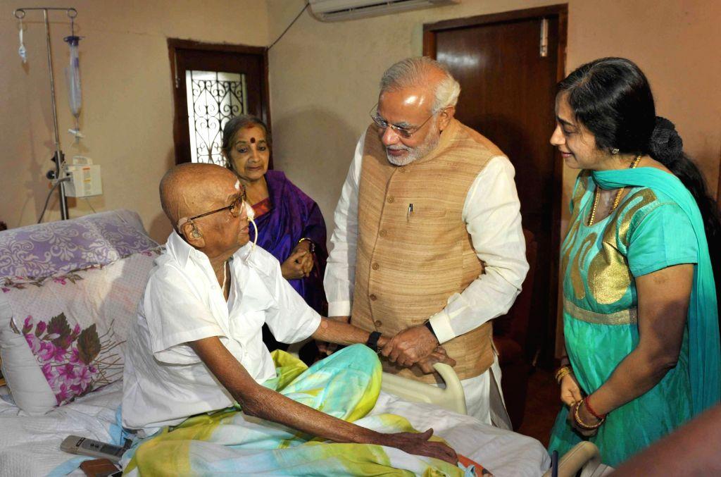 "Prime Minister Narendra Modi meets the Editor of Tamil weekly news magazine ""Thuglak"", Cho Ramaswamy, in Chennai, Tamil Nadu on Aug 7, 2015. - Narendra Modi"
