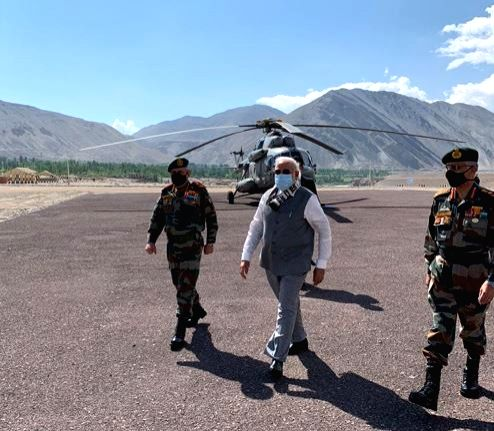 Prime Minister Narendra Modi reaches Leh along with Chief of Defence Staff (CDS) Bipin Rawat on July 3, 2020. (Photo: IANS/DPRO) - Narendra Modi