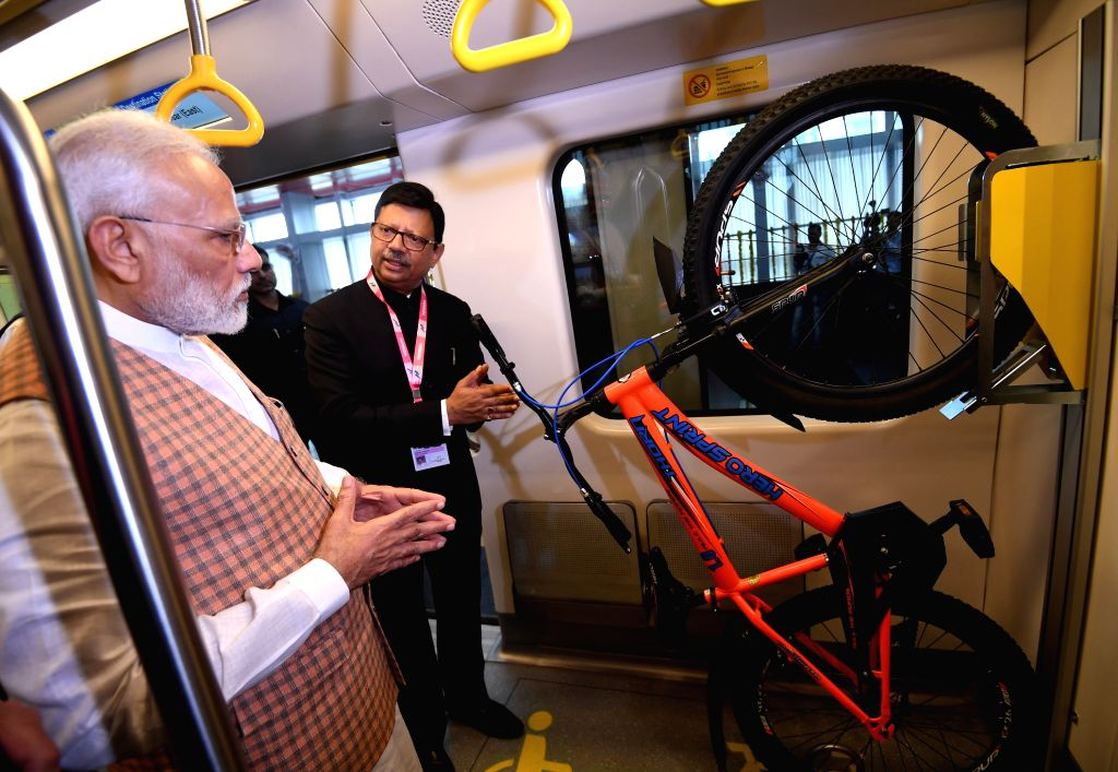 Prime Minister Narendra Modi  visits Metro Coach Exhibition after inaugurating it, in Mumbai on Sep 7, 2019. - Narendra Modi