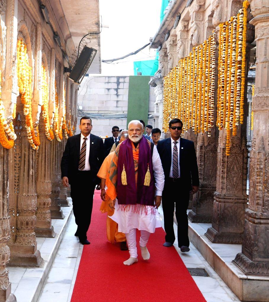 Prime Minister Narendra Modi visits the Kashi Vishwanath Temple, in Varanasi, Uttar Pradesh, on March 8, 2019. - Narendra Modi