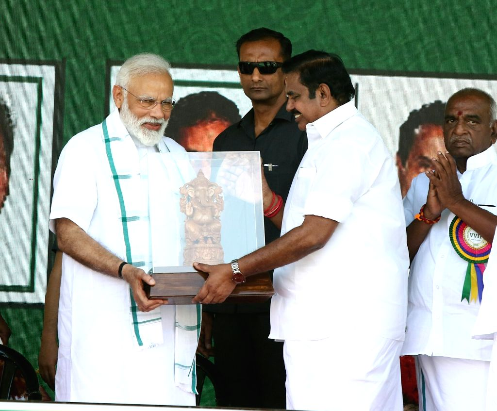 Prime Minister Narendra Modi with Tamil Nadu Chief Minister K. Palaniswami during a meeting in Chennai on March 6, 2019. - Narendra Modi
