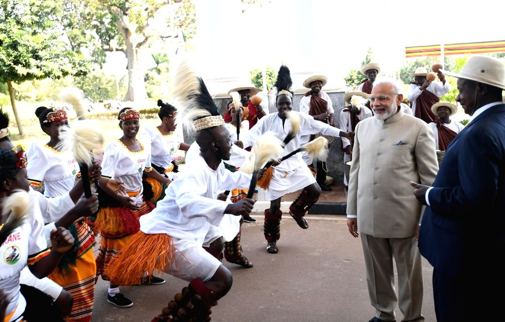 Prime Minister Narendra Modi with Uganda President Yoweri Museveni during a Ceremonial Reception at State House in Kampala, Uganda on July 24, 2018. - Narendra Modi