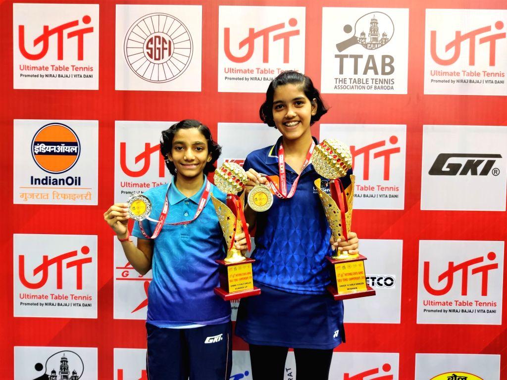 Pritha Vartikar (left) U-14 girls singles champion and runners up Sayali Wani (Right).